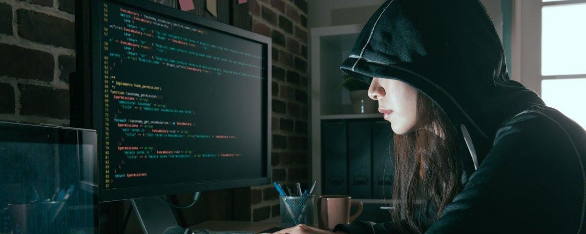 Brasileira de 20 anos vai hackear o planeta