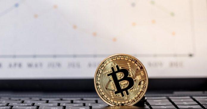 Bitcoin Opera em Queda na Véspera de Natal; Altcoins Acompanham
