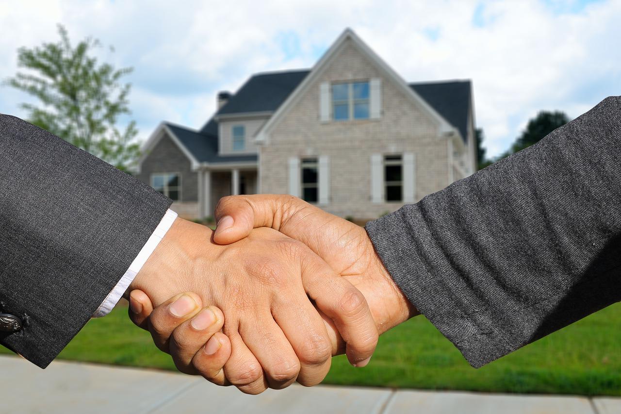 Corretores imobiliárias