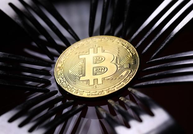 Bolsa brasileira de criptomoedas suspende saques de clientes