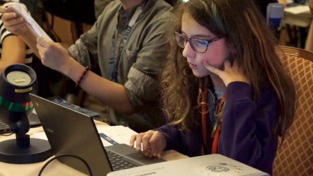 Menina de 11 anos precisou de apenas 10 minutos para contornar segurança do sistema de votação norte-americano