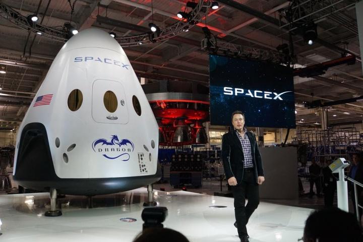 SpaceX começará a transportar Humanos para o Espaço já no próximo ano