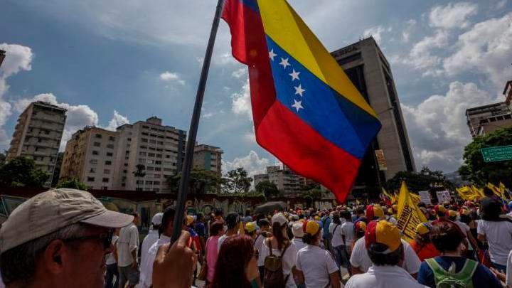 Hiperinflação na Venezuela faz preço do Bitcoin disparar no país