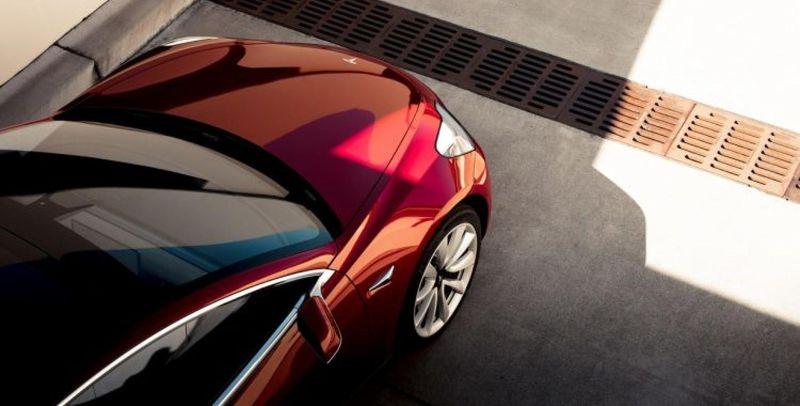 Carros da Tesla cada vez mais perto de se transformarem em KITTs