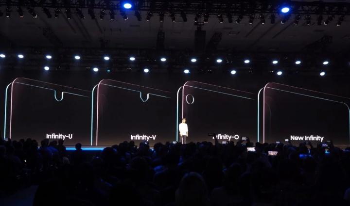 Samsung poderá ter vários smartphones com notch no ecrã