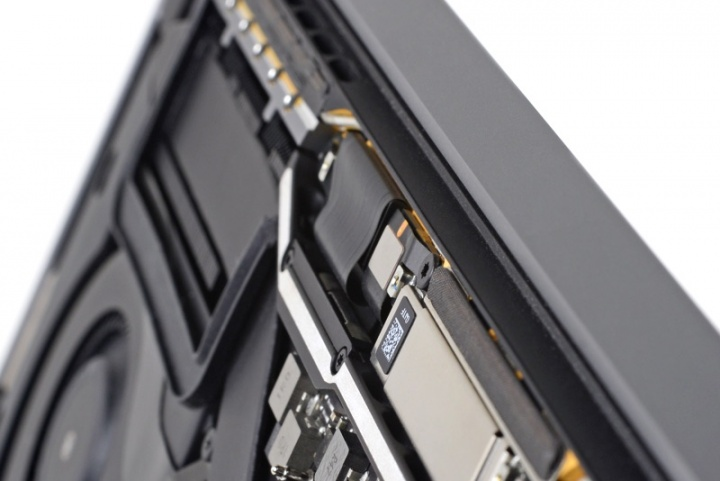 Novo problema no ecrã do MacBook Pro pode sair caro aos utilizadores Apple