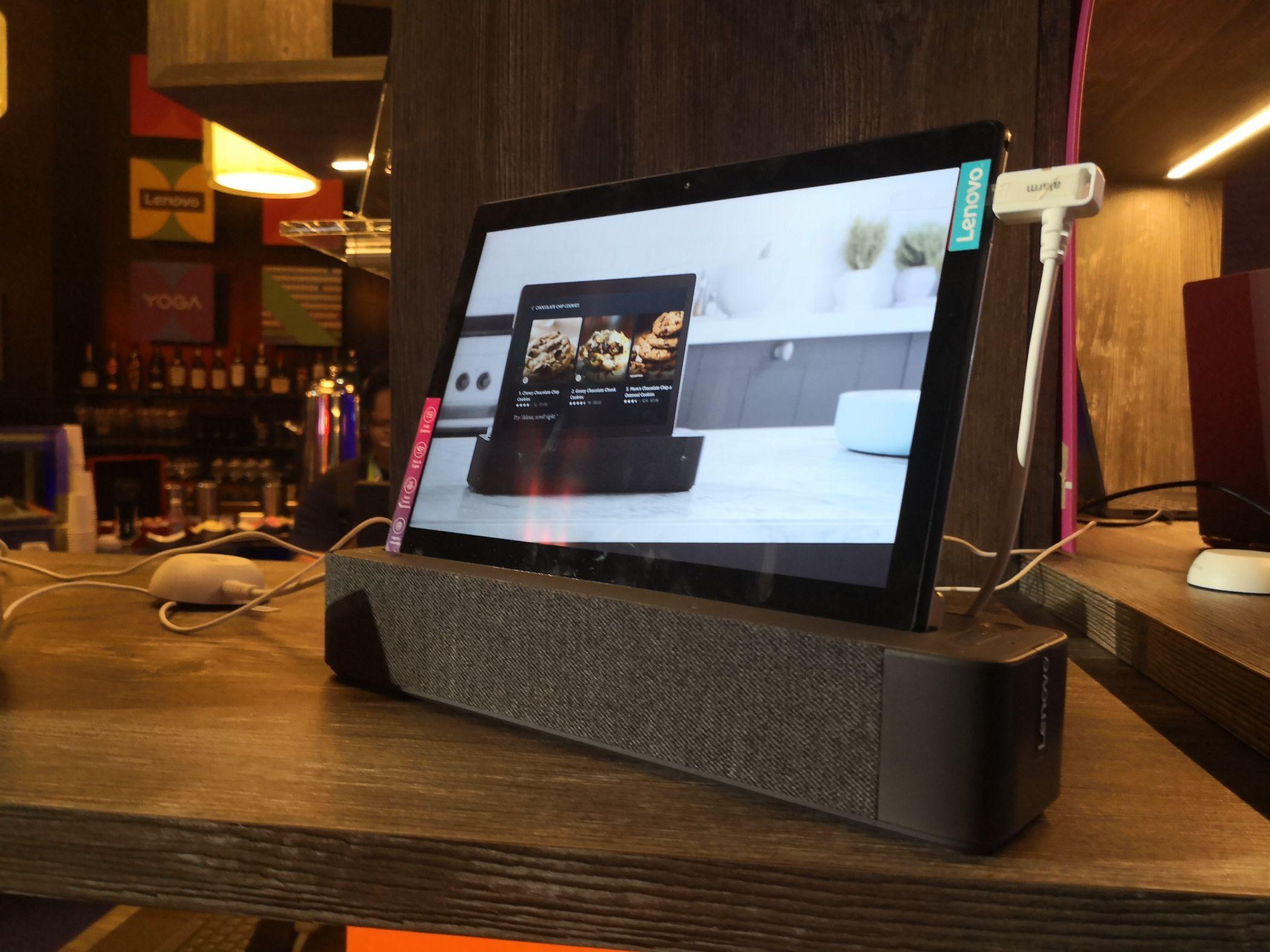 Lenovo mostra novos Yoga e ThinkPad e inova nos dispositivos inteligentes com a integração da Alexa nos tablets