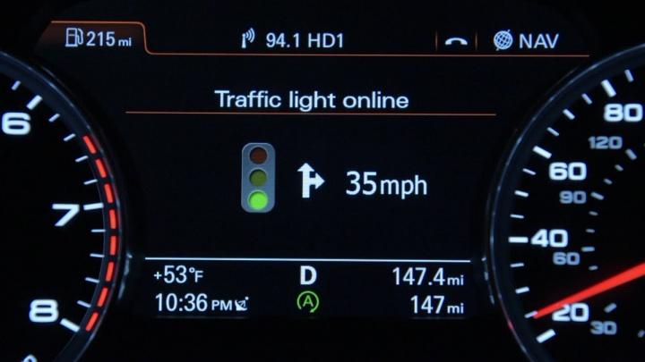 Audi: Veículos vão ligar-se a semáforos e ter informação no painel