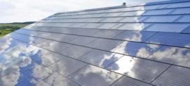 Tesla começa a fabricar telhas de energia solar